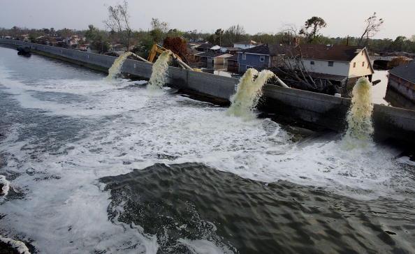 Damaged「Hurricane Katrina Aftermath - Day 17」:写真・画像(16)[壁紙.com]
