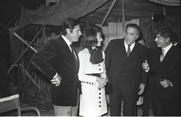 Federico Fellini with Marcello Mastroianni and Anne Heywood in Cinecittà, Rome 1968:ニュース(壁紙.com)