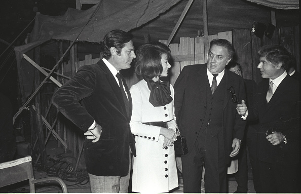 Cultures「Federico Fellini with Marcello Mastroianni and Anne Heywood in Cinecittà, Rome 1968」:写真・画像(11)[壁紙.com]