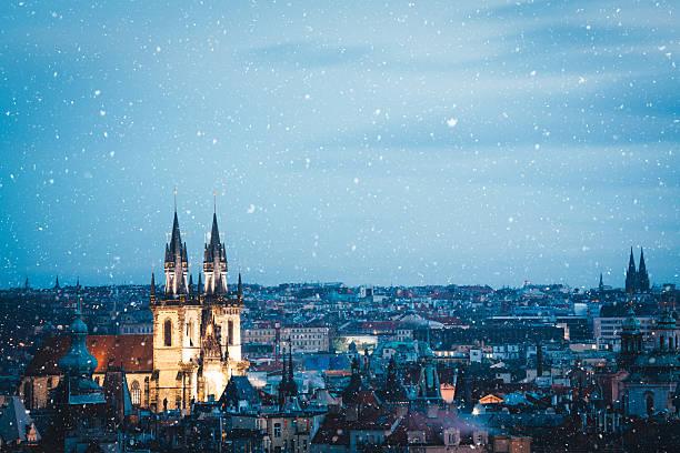 プラハの冬:スマホ壁紙(壁紙.com)