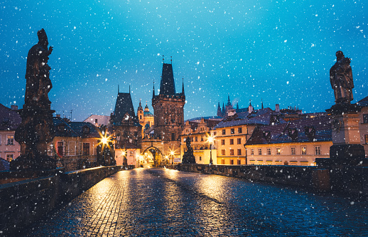Charles Bridge「Winter In Prague」:スマホ壁紙(6)
