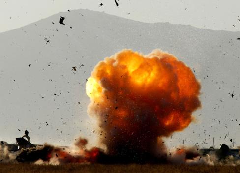 2002「Kabul International Airport Cleared of Explosives」:スマホ壁紙(4)