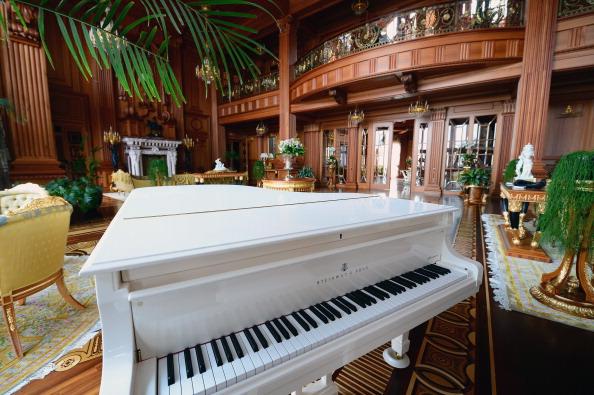 Piano「Inside The Presidential Palace Of  Former Ukrainian President Yanukovych」:写真・画像(16)[壁紙.com]