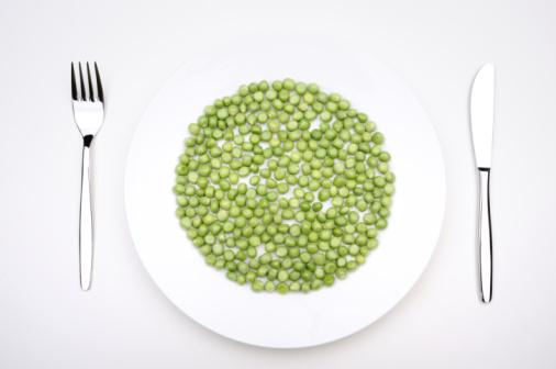 ペア「Green peas on a plate」:スマホ壁紙(8)