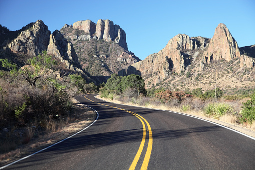 National Park「Scenic Mountain Road in Texas near Big Bend National Park」:スマホ壁紙(16)