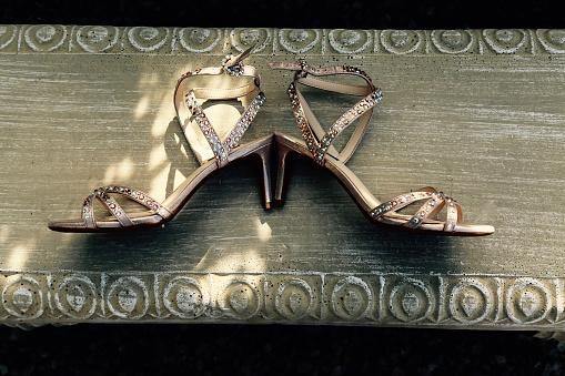 Girly「Bride's high heel studded sandals」:スマホ壁紙(10)