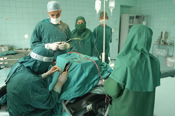 Middle Eastern Ethnicity「Female Surgeon」:写真・画像(17)[壁紙.com]