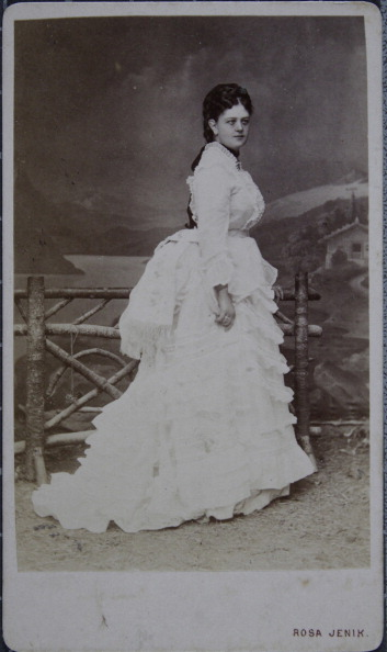1870-1879「Lady In Bright Ruched Dress With Cul De Paris. Full Figure. About 1875. Photograph Byrosa Jenik Ferd. Küss'S Enkelin / Vienna [Josefstadt, Mariatreug. 6 And Mariahilferstrasse 55] - Ischl [On The Esplanade].」:写真・画像(11)[壁紙.com]