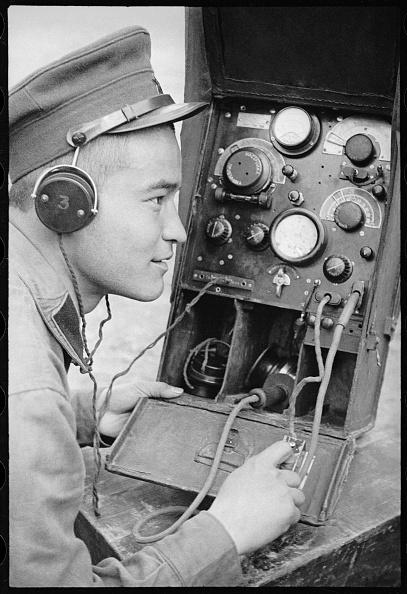 Max Penson「A Radio Operator」:写真・画像(12)[壁紙.com]