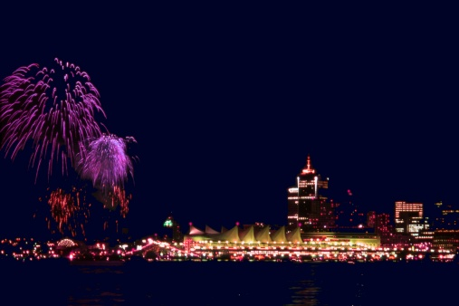 Inferno「Canada Day Fireworks over Vancouver」:スマホ壁紙(12)