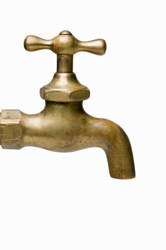 スイセン「Brass water faucet on white background, close-up」:スマホ壁紙(11)