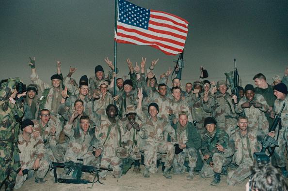 Peace Sign - Gesture「Gulf War」:写真・画像(19)[壁紙.com]