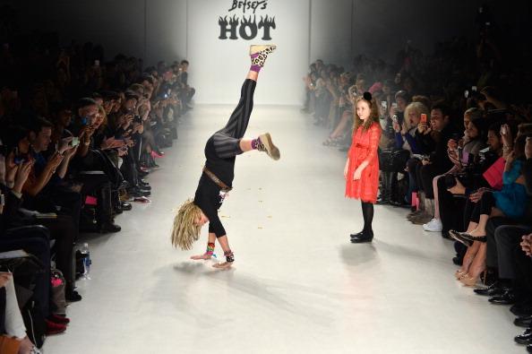 The Salon - Lincoln Center「Betsey Johnson - Runway - Mercedes-Benz Fashion Week Fall 2014」:写真・画像(4)[壁紙.com]