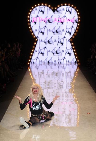 Spring Collection「Betsey Johnson - Runway - Spring 2012 Mercedes-Benz Fashion Week」:写真・画像(13)[壁紙.com]