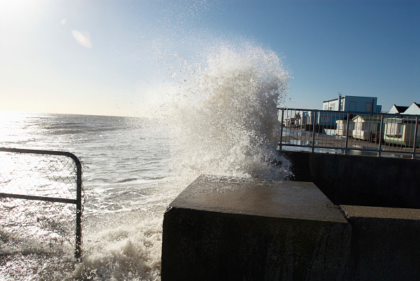 Felixstowe「Storm waves crash into sea wall, Felixstowe, Suffolk, UK」:写真・画像(8)[壁紙.com]