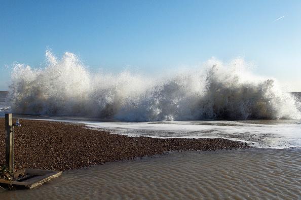 Felixstowe「Storm waves, Felixstowe, Suffolk, UK」:写真・画像(14)[壁紙.com]