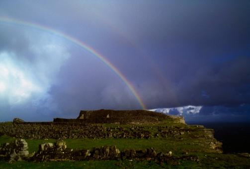 虹「Aran Islands, Co Galway, Ireland, Inishmore, Dn Aengus」:スマホ壁紙(6)