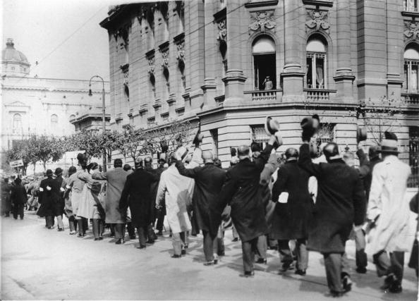 Belgrade - Serbia「Meeting of participants of the First Worldwar in Beograd, In the picture: the paricipants marching past Alexander I of Yugoslavia who is sitting in the window of the castle, Photograph, Around 1925」:写真・画像(14)[壁紙.com]
