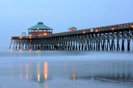 Charleston - South Carolina「Pier at Folly Beach」:スマホ壁紙(1)