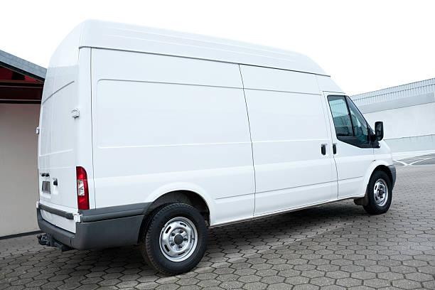 Parked blank white Van:スマホ壁紙(壁紙.com)