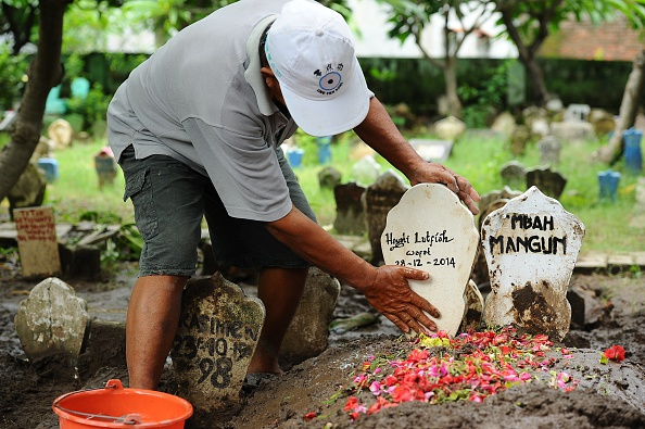 Robertus Pudyanto「Indonesia Mourns AirAsia Crash As Recovery Operation Continues」:写真・画像(5)[壁紙.com]