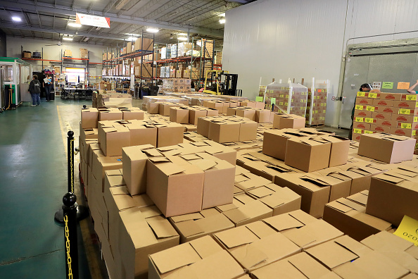 Sam Greenwood「Feeding Northeast Florida Delivers Meals To Senior Care Facilities In Jacksonville」:写真・画像(17)[壁紙.com]