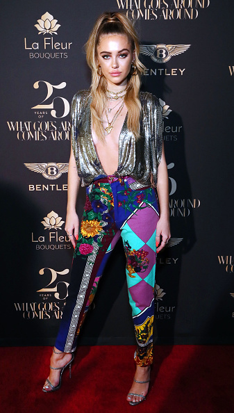 Silver Colored「What Goes Around Comes Around 25th Anniversary Celebration At The Versace Mansion With a Retrospective Tribute To Gianni Versace」:写真・画像(11)[壁紙.com]