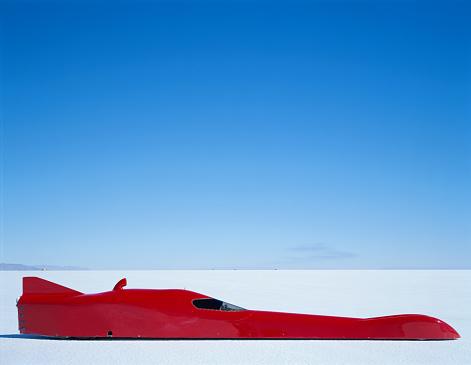 Bonneville Salt Flats「Streamliner racecar, side view, Bonneville Salt Flats, Utah, USA」:スマホ壁紙(12)