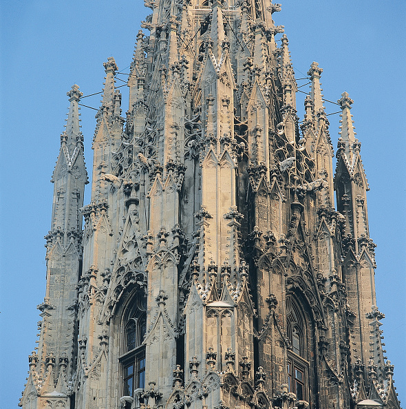 Gothic Style「Steeple of St. Stephan's Cathedral in Vienna」:写真・画像(3)[壁紙.com]