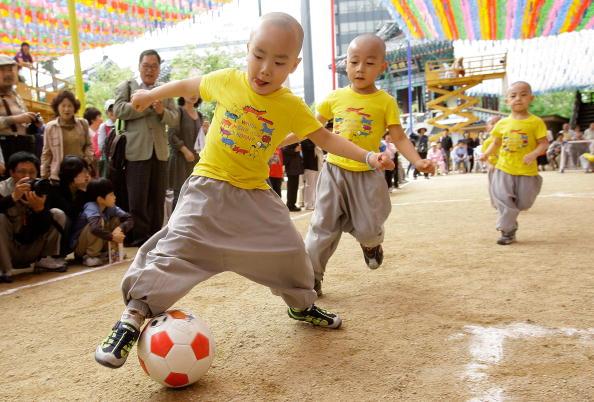 Chung Sung-Jun「Little Monk Soccer Match In Seoul」:写真・画像(17)[壁紙.com]
