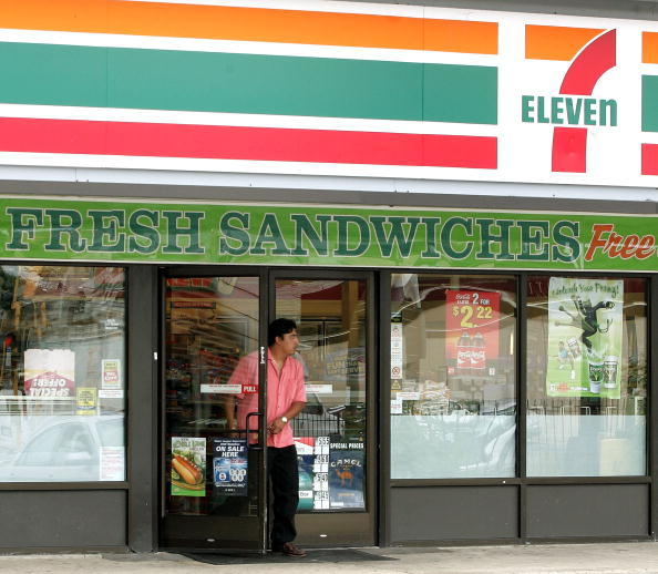 Door「7-Eleven To Clamp Down On Underage Tobacco Buyers」:写真・画像(2)[壁紙.com]