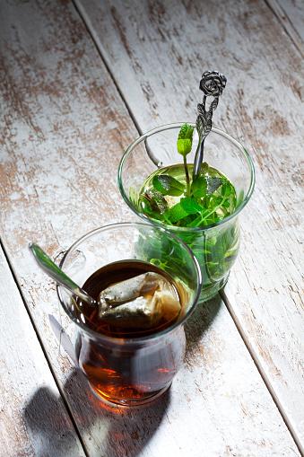 茶葉「Two tea glasses of fresh pepper mint tea and tea bag」:スマホ壁紙(6)
