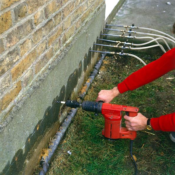 Brick Wall「Penetrating damp course applied to an external wall」:写真・画像(17)[壁紙.com]