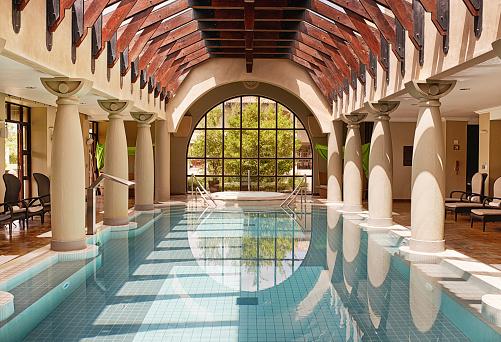 対称「完璧なプラシッドプールと」:スマホ壁紙(15)