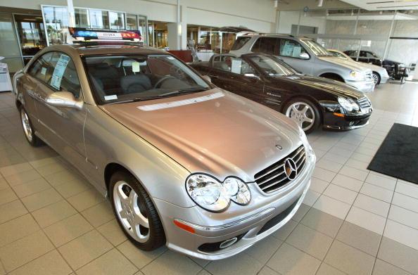 Tim Boyle「DaimlerChrysler May Cut 10,000 Jobs at Mercedes」:写真・画像(10)[壁紙.com]