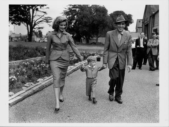 Lauren Bacall「Lauren Bacall And Humphrey Bogart」:写真・画像(11)[壁紙.com]