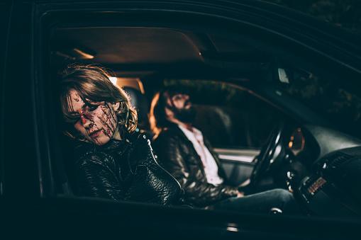 雪「Man and woman in a car accident」:スマホ壁紙(13)