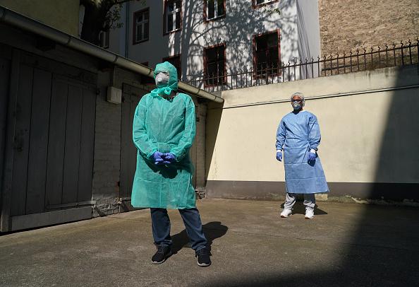 The Way Forward「Berlin Doctors Provide Coronavirus Testing In A Garage」:写真・画像(1)[壁紙.com]