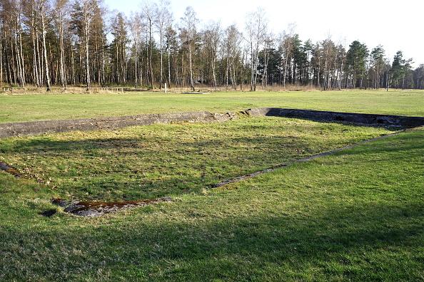Richard Blanshard「Bergen-Belsen Concentration Camp」:写真・画像(9)[壁紙.com]