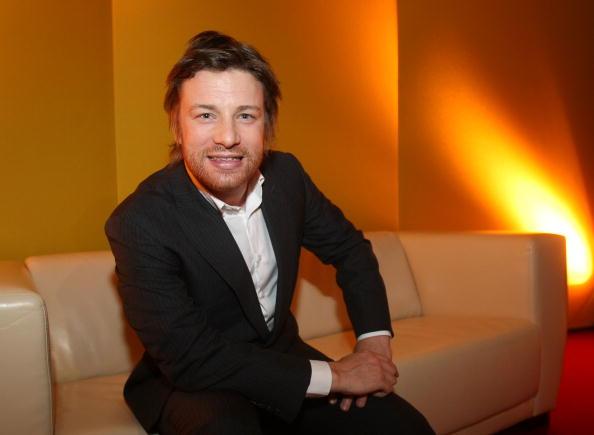 Chef「Jamie Oliver Opens New Dinner Show」:写真・画像(19)[壁紙.com]