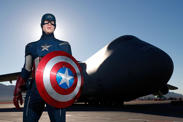 Captain America「Madame Tussauds Unveils Captain America, The All-American Hero, At Nellis Air Force Base」:写真・画像(6)[壁紙.com]