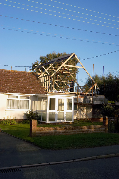 Bungalow「Extension in progress on a 1960s bungalow, United Kingdom」:写真・画像(19)[壁紙.com]