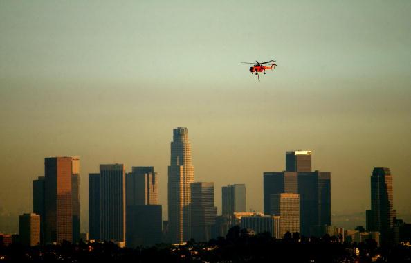 Wind「Firefighters Battle Blaze Near Los Angeles」:写真・画像(14)[壁紙.com]