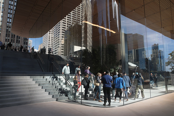 New「Apple Prepares To Open Chicago Flagship Store」:写真・画像(18)[壁紙.com]