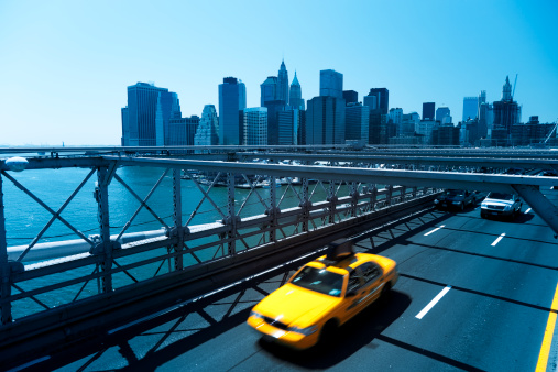 Focus On Background「yellow taxi in front of manhattan skyline」:スマホ壁紙(2)