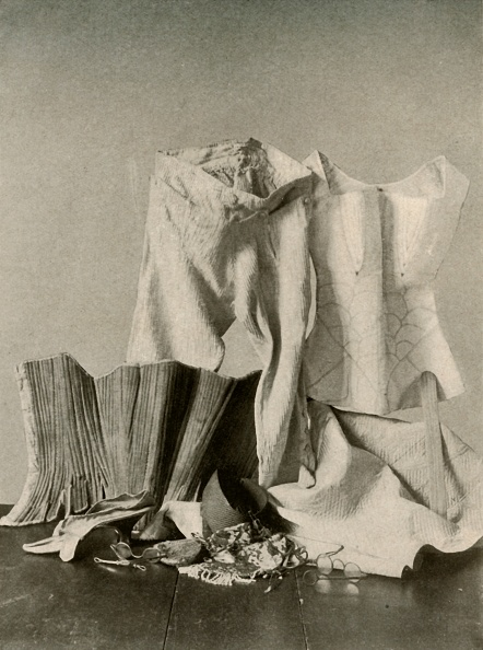 Shoe「Two Pairs Of Stays;  Breeches; Bead Bag; Purse And Quilted Petticot」:写真・画像(12)[壁紙.com]