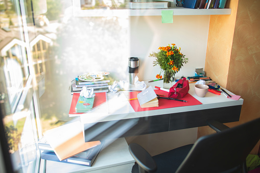 Adhesive Note「Messy desk」:スマホ壁紙(18)