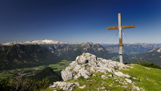Dachstein Mountains「Summit Cross with Austrian Alps Panorama and Glacier Dachstein (Trisselwand)」:スマホ壁紙(2)