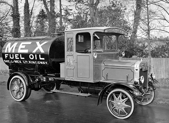 1922「1922 Thornycroft Type Q Shell Mex Petrol Truck. Creator: Unknown.」:写真・画像(19)[壁紙.com]