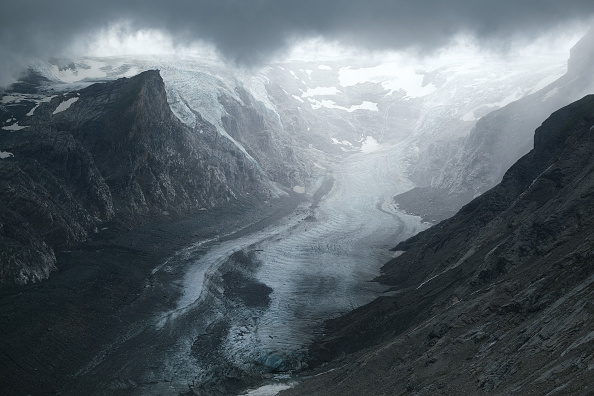 European Alps「Europe's Melting Glaciers: Pasterze」:写真・画像(12)[壁紙.com]